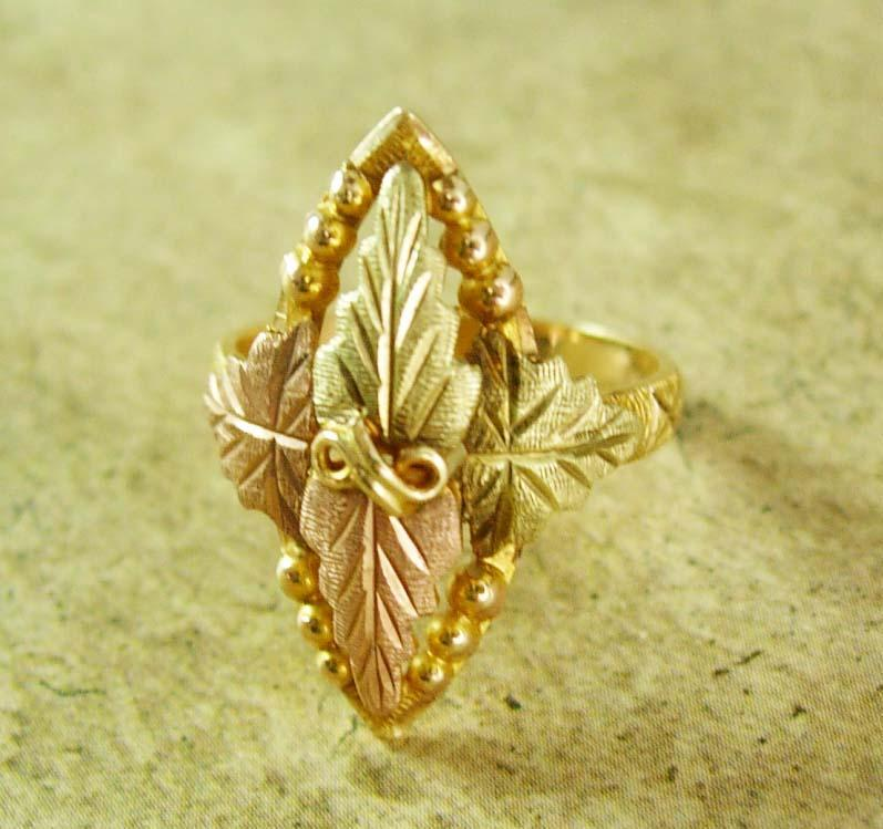 Fancy Vintage Black Hills Gold ring romantic jewelry 10kt yellow rose green leaves clusters vines size 5 1/4 fine estate jewelry