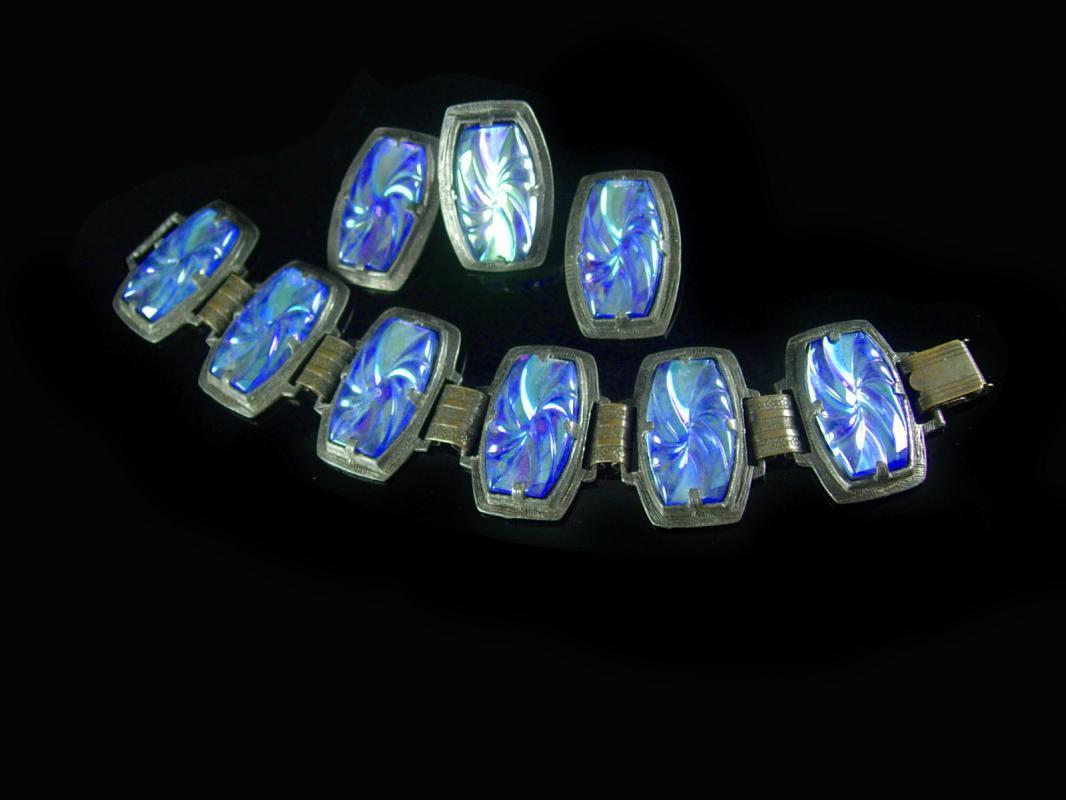 Vintage Glass Bracelet earrings & Ring molded irridescent blue bookchain PARURE huge 8