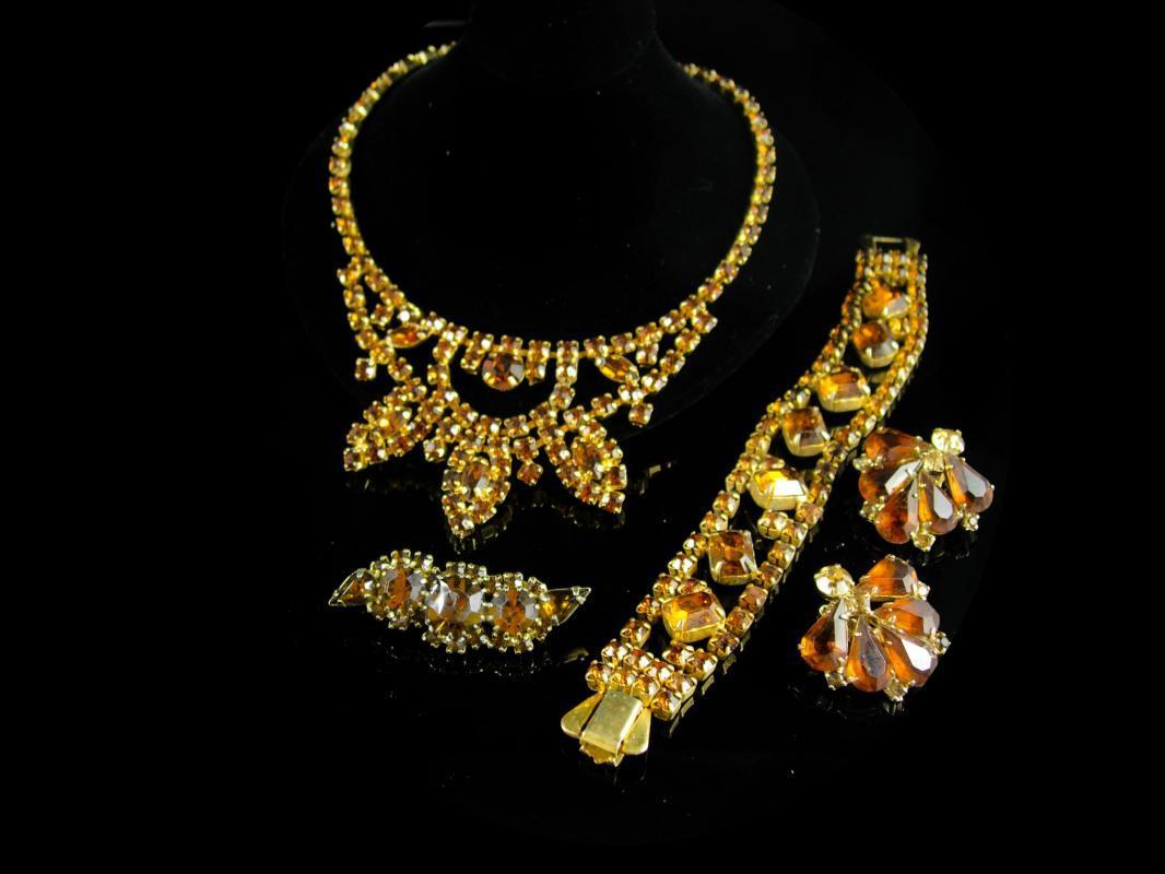 Vintage Rhinestone Parure Weiss bracelet bib choker Brooch Clip earrings layers of yellow topaz glass
