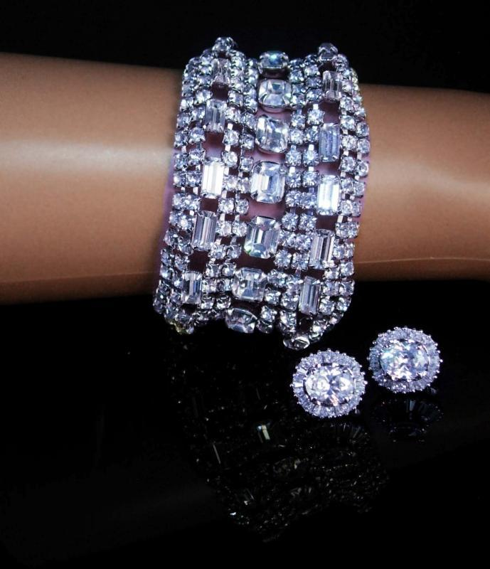 Vintage 11 row bracelet Rhinestone bracelet Clip on earrings BRILLIANT Baguette bracelet Rhinestones Showstopper LOADED with glass stones