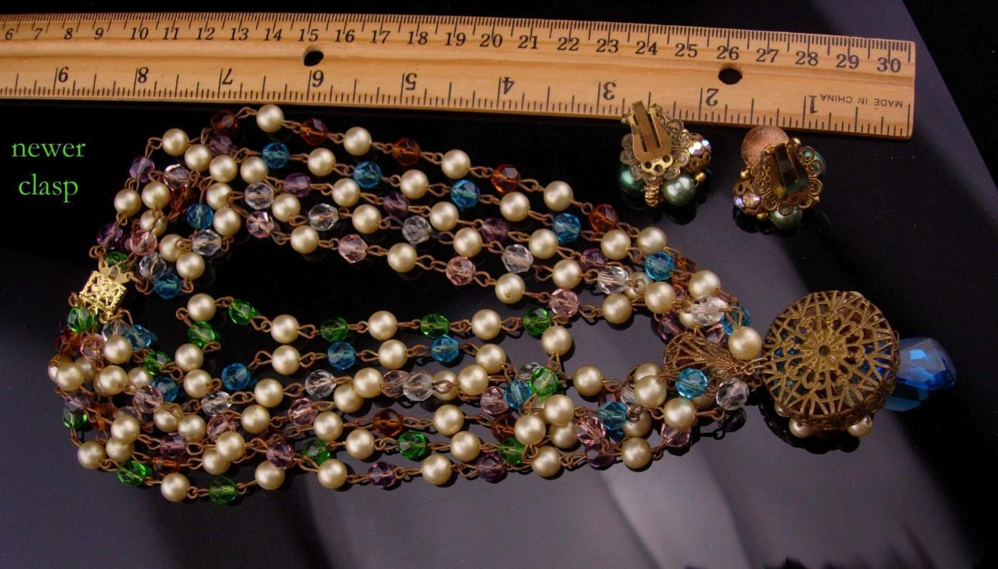 Vintage necklace / clip on beaded earrings/ FABULOUS Cluster choker & Earrings / demi parure / pearls and glass clusters / costume jewelry