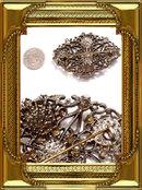 Vintage Ribbed Glass rhinestone  enamel brooch