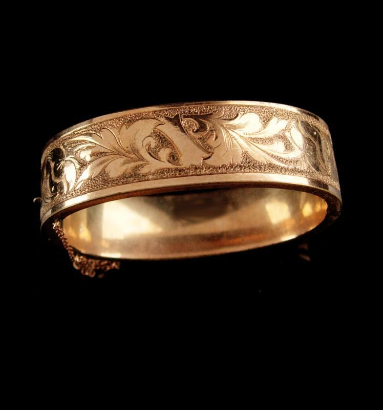 9962b02714fb9 Antique Victorian bracelet / vintage hinged bangle / wedding Gold brac