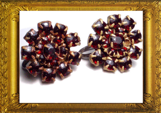 Vintage Victorian BOHEMIAN Garnet earrings