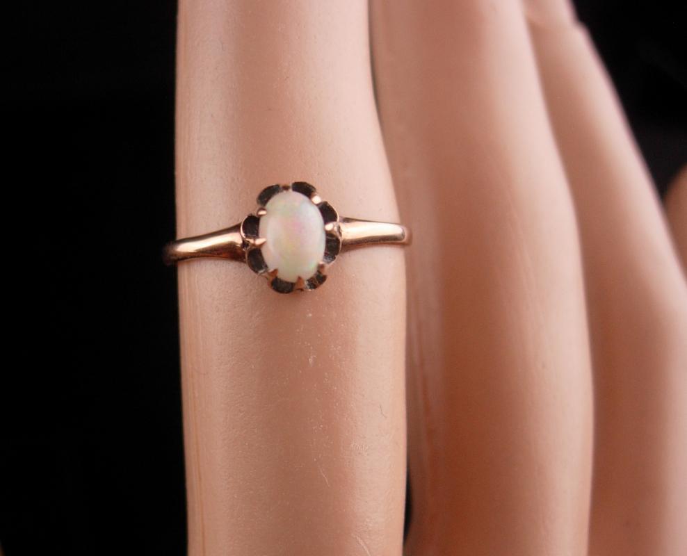 1800's ANTIQUE Genuine Opal 14kt GOLD RING