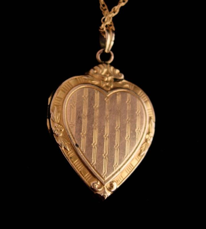 Victorian Locket yellow rose 1/20 12kt gold filled heart sweetheart photo locket Hayward original gold filled chain sweetheart necklace