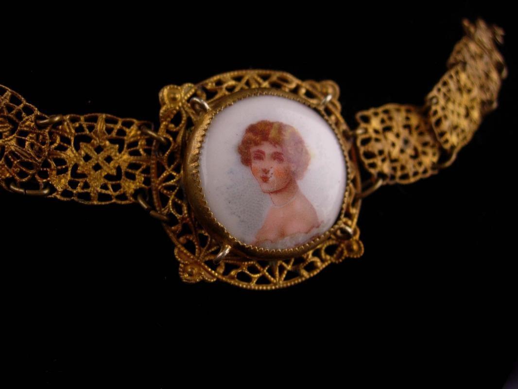 Antique PORTRAIT bracelet - Victorian French beauty - Cameo jewelry - Czech filigree links - vintage jewelry