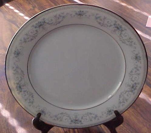 Noritake China Dinner Plate Colburn 6107 buy 1 or more