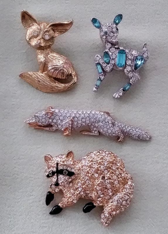 Vintage Brooches Raccoon, Deer, Fox 4pc