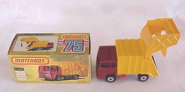 Matchbox No. 36 Refuse Truck MIB