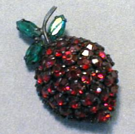 Warner Strawberry Brooch Pin Excellent Stones