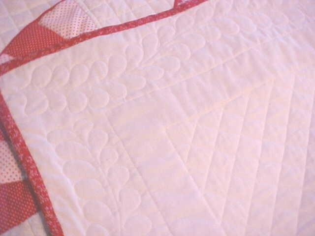 Fan Throw Lap Quilt Wall Hanging Red White  51x67