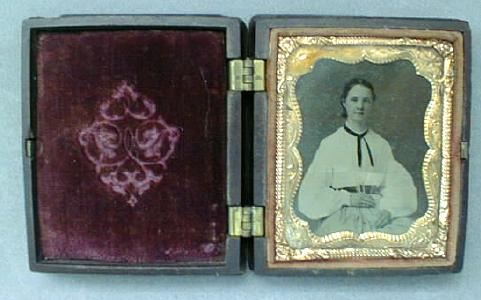 Daguerreotype Young Lady Civil War Era Ornate Case