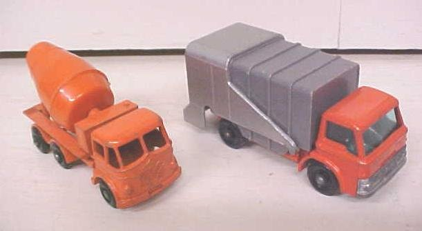 Matchbox No. 7 & 26 Refuse Truck & Cement Mixer