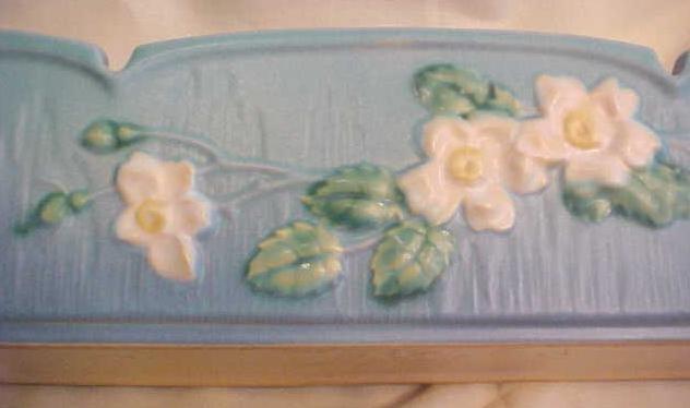 Roseville White Rose Window Box Planter No 382 9 Inch
