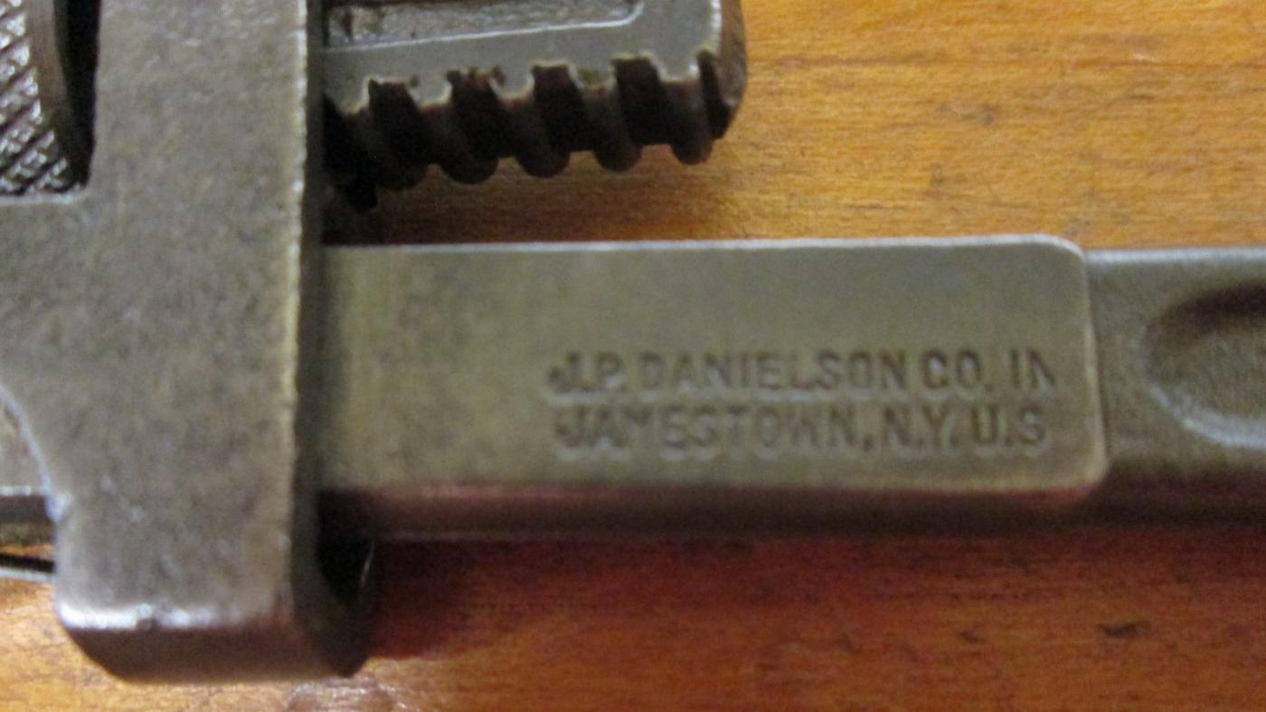 Danielson Adjustable Pipe Wrench 6 inch