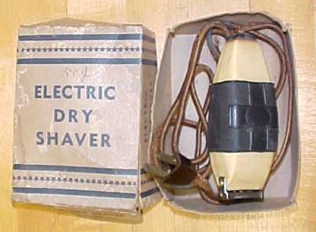 Electric Dry Razor w/Original Box