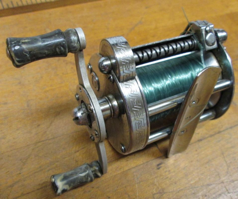 Pflueger Akron Level Wind Fishing Reel 1893L