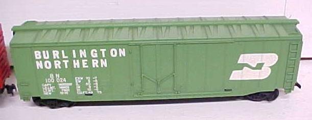 Train Cars HO Scale Canadiana Burlington (2) Box Cars