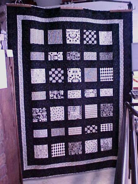 Quilt Pattern Modernly Chic 64.5x85.5 Twin Size