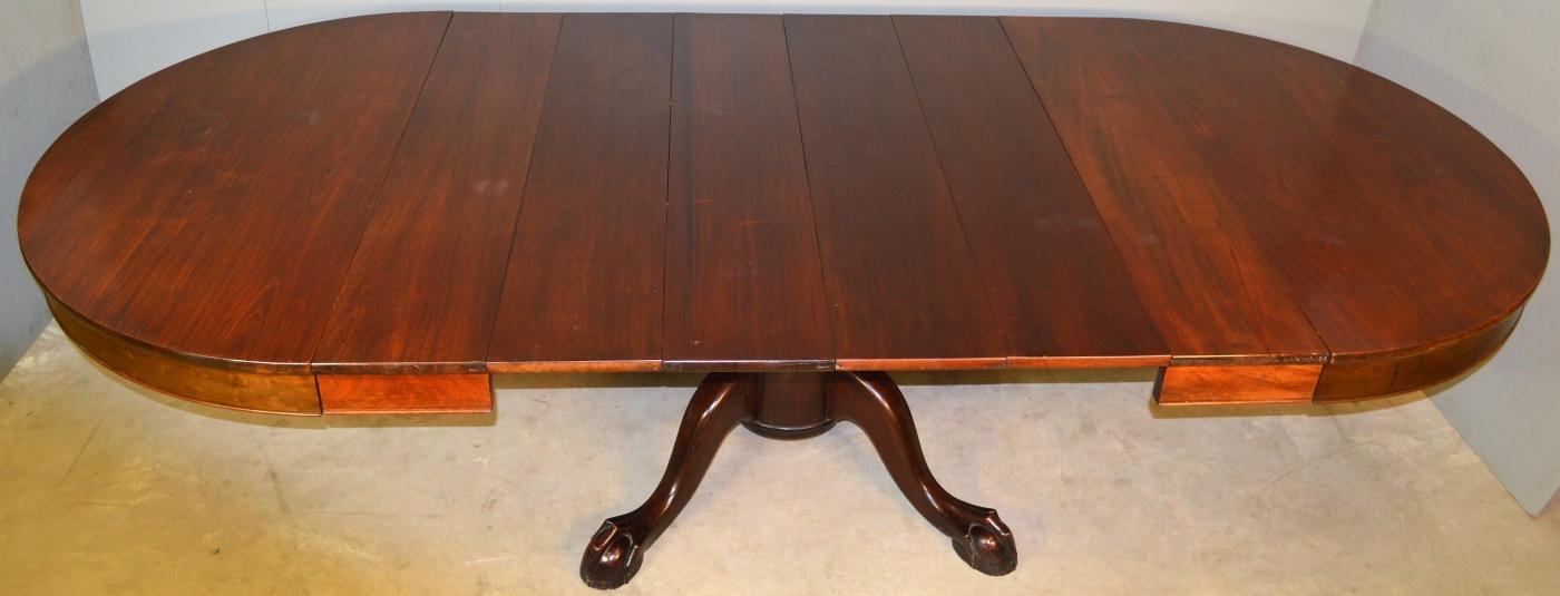 19763 Mahogany Ball and Claw Banquet Table – 6 Leaves