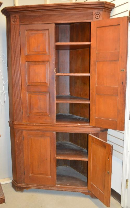 19866 Period Pennsylvania Chippendale Corner Cupboard