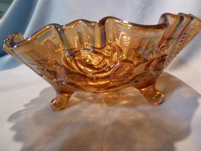 CARNIVAL 8Inch  IMPERIAL LUSTER ROSE 3 TOED  BOWL WITH ORIGINAL STICKER