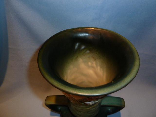 ROSEVILLE FREESIA 124-9 GREEN HANDLED  VASE