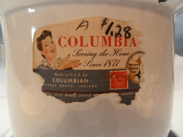 VINTAGE COLUMBIA  WHITE ENAMEL POT BUCKET WITH WOODEN HANDLED BALE & ORIG LABEL