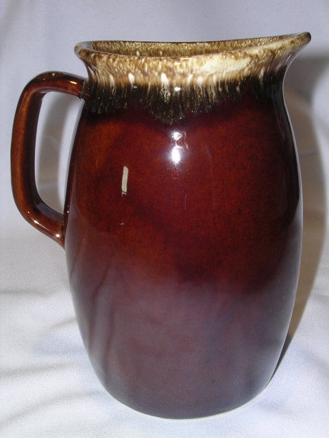 HULL 2 PINT  HOUSE AND GARDEN MIRROR BROWN PITCHER
