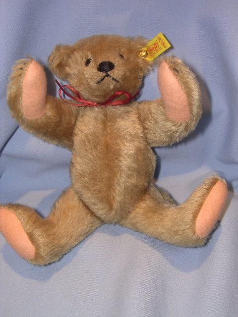 STIEFF MARGARET STRONG GOLD MOHAIR  TEDDY BEAR #0155/26