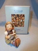 GOEBEL HUMMEL GIRL WITH SHEET MUSIC  #389 FIGURINE WITH BOX