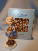 GOEBEL HUMMEL GIRL WITH NOSEGAY #239 A FIGURINE TMK 6 WITH BOX