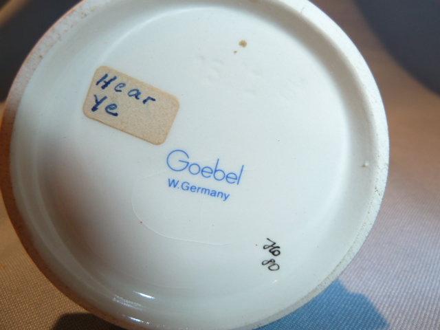 GOEBEL HUMMEL HEAR YE # 15/1 TMK 6 FIGURINE