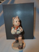GOEBEL HUMMEL SCHOOL BOY #82  2/0  FIGURINE W/ PRESENTATION BOX