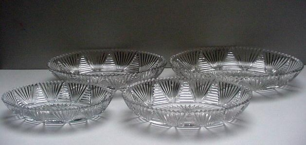 Glass Set of 4 Nested Dishes