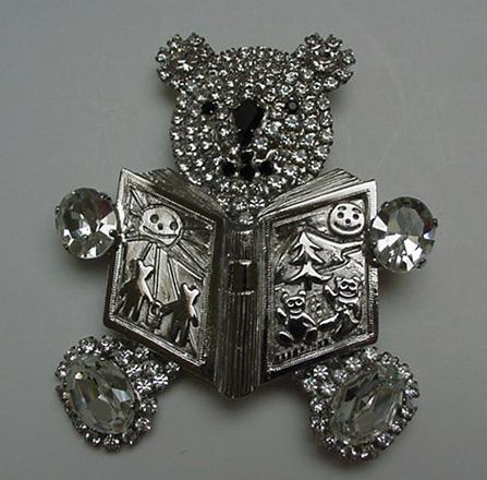 Costume jewelry-Butler and Wilson Reading Bear