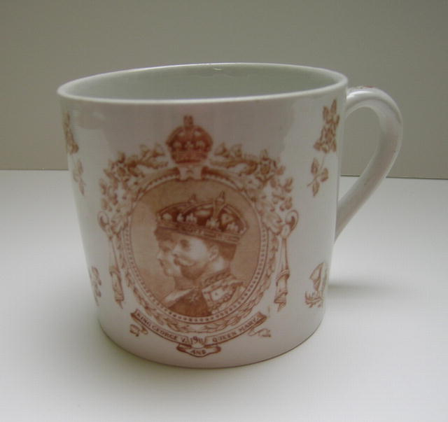 Royal Mug: George V and Mary
