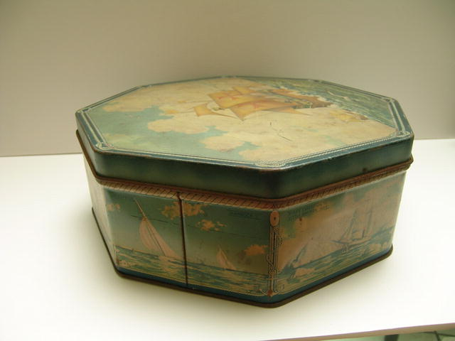 Loose Wiles Biscuit Tin : Sunshine Bakers