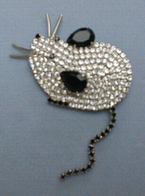 Costume:Butler and Wilson Mouse Brooch