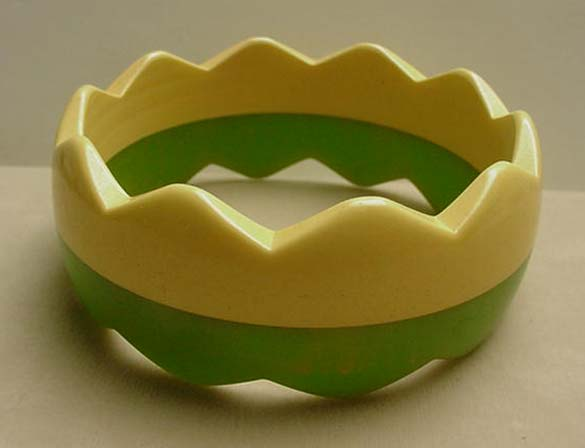 Bakelite Laminated Green and cream zig zag