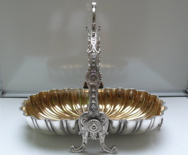 Victorian Shell Designed Silver Plate Biscuit Box
