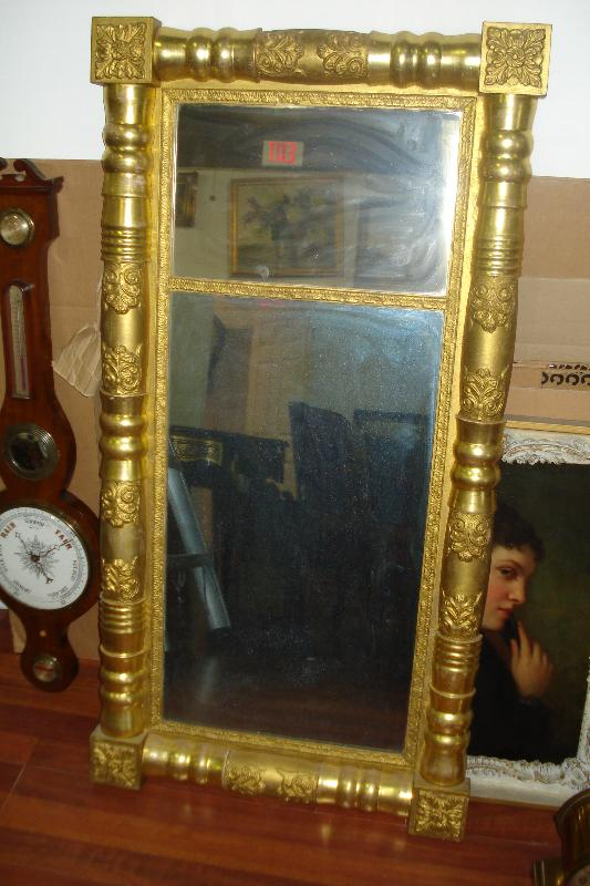 Early Nineteenth Century Federal Gilded And Carved Mirror