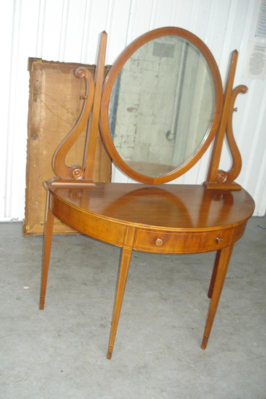Nineteenth Century Mirrored Ladies Vanity, Mahogany With Inlay Work
