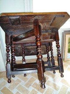 LATE 17th.CENT. ENGLISH OAK GATE-LEG TABLE