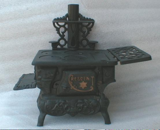 OLD! Crescent CAST IRON Cook Stove