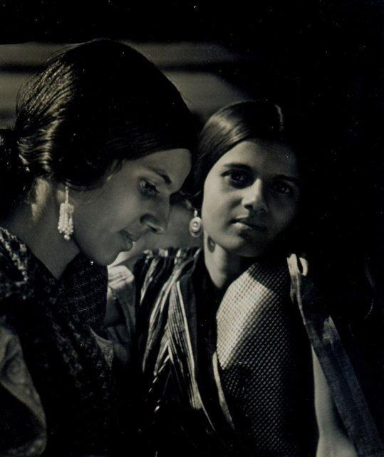 Imogen Cunningham: Sisters from India