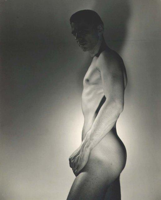 George Platt Lynes: Ted Starkowski (darkened head)