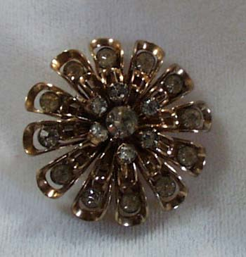 Crystals in Goldtone Pin