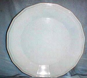 Homer Laughlin Colonial White Dinner Plates
